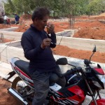 La moto qui m'amène à Parumjai