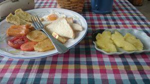 Petit Déjeuner au Ban Bang Home Resort